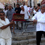 Les reliques de San Vincente portées par les vignerons de Balagne