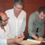 Kad Merad et Xavier Giannoli avec Georges Mela, le maire de Porto-Vecchio