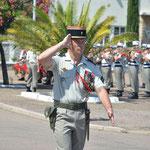 Le colonel Desmuelles à la tête des troupes lors du défilé