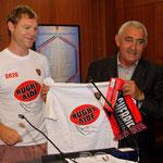 Echarpe du RCT et tee-shirt de Rugby Aide pour le maire