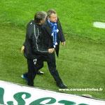 A la fin du match Frédéric Hantz est allé comme à son habitude saluer l'entrâineur adverse, ici Dominique Bijotat