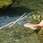 Le bleu magique et secret qui colore l'eau de la rivière