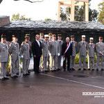 Photo souvenir des décorés avec le ministre et l'adjoint au maire de Calvi
