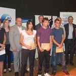 Les personnalités avec les lauréats du concours du parcours de la formation exemplaire