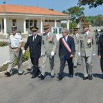 Les autorités civiles et militaires