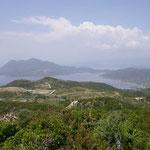 Uitzicht vanaf heuvel bij Polilofo