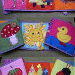 Stoffbilderbuch mit Fühlelementen: 20cm verschiedene Baumwollstoffe, Borten, Bänder, Filzplatten, Knöpfe, Filzstreuteile