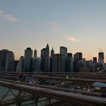 Skyline Manhattan von der Brooklyn Bridge