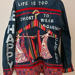 """Jeansjacke lang, Modell 19, """"be happy - life is too short for boring clothes"""""""