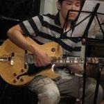ギターのコウタくん100703