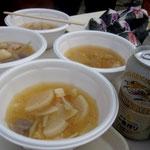秋祭りの名物特製豚汁101107