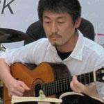ギターのアキヤマさん100411