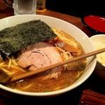 帰りに寄った平塚「宝堂」。いつも美味しくいただいています!