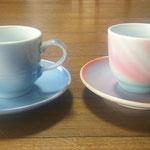 左:藍染コーヒー碗皿 右:紅染コーヒー碗皿