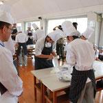 調理師養成科1年課程の生徒たちの挑戦2