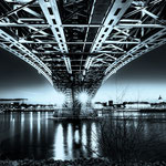 Under the bridge (Theodor-Heuss-Brücke Mainz)