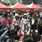 左から仙台市伊藤副市長、杜の都親善大使のお二人、仙台市副議長