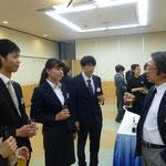 新入部員と会長の懇談