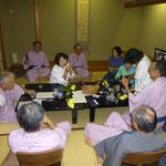 老舗の宿吉田屋にて会食前の歓談