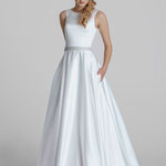 Brautkleid, Clean-Dress, A-Linie, Satin, Glitzergürtel