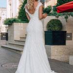 Fit´n Flare Brautkleid V-Ausschnitt,  glänzende Spitze