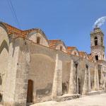 Der Schornstein raucht noch - Ruine der Agia Triada in Dipkarpaz
