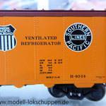 Märklin 45680 Set- 3 Kühlwagen (Refrigerator Car) Typ R-40-14 der UP / S.P.      6