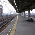 小菅駅は昔と変わらん。エレベーター付いたけど*