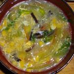 かき玉スープ。スイカの皮山盛り