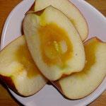 りんご。蜜が痛みかけ??喰ったけど。問題ない。