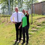 Bürgermeister und Sektionsleiter besprechen die nächsten Bauvorhaben.