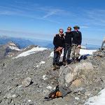 Yes! Emile, Matthias et Klaus au sommet du Grand Mont Ruan