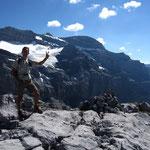 Sommet de la Tour Saint Hubert sur fond de Tenneverge et de glacier de Prazon