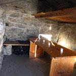 L'intérieur de la cabane du col de Bossetan