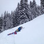 Nico en pleine dégustation de neige fraiche!