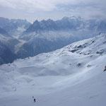 Gilles et Arthur à la montée dans les pentes qui mènent au col de Beugeant.