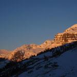 Coucher de soleil sur le fond de la vallée