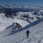 Peu avant le sommet. Au fond, le roi Mont-Blanc