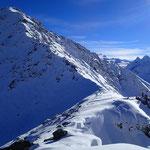 Cherchez Pascal sur l'arête N-O, devant le Mont Colmet