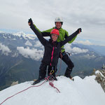 On the top! Au fond le Grand Combin