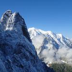 Les Drus et le Mont-Blanc