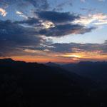 Le soleil se couche sur la vallée du Giffre
