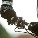 """""""Die hohe Bremskraft und die ergonomischen Hebel vermeiden taube Finger"""" lobt Schneider."""