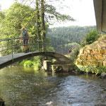 Brücke über die . . .