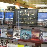"""Dédicace de """"Couleurs d'alizés"""" - Librairie André - St Morlaix - 2010"""
