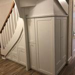 Garderobenschrank unter der Treppe