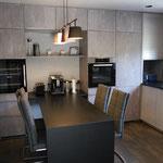 unempfindlicher Küchentisch aus Naturstein