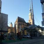 Die Reinoldikirche mit Stahlpylon