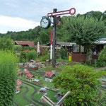 Mit dem Anpfiff der Gartenbahn wird das Fest eröffnet