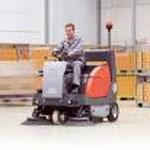 http://www.hako.ch/ch_de/Produkte/Betriebsreinigung/Sweepers/Sweepers.php
